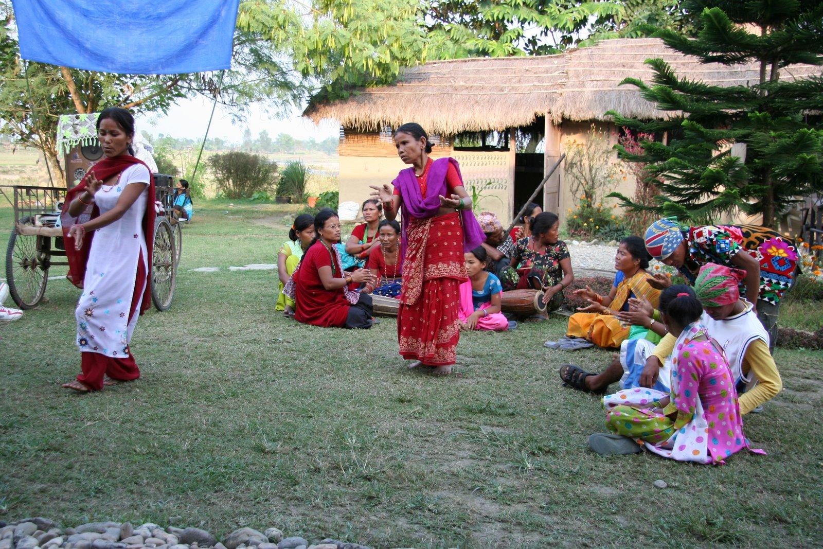 NEPAL - Chitwan, Sapana Village Lodge, Ivonka - narozeninova