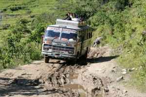 NEPAL trekking - silnice z Khudi do Bhulbhule