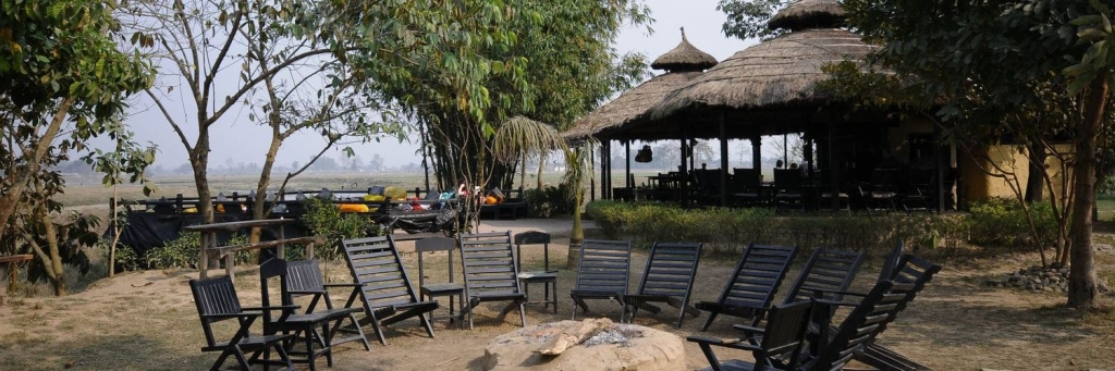 Hotel Chitwan Nepal - Sapana Lodge - Restaurant - Hotelrooms and Excursions and Jungle tours