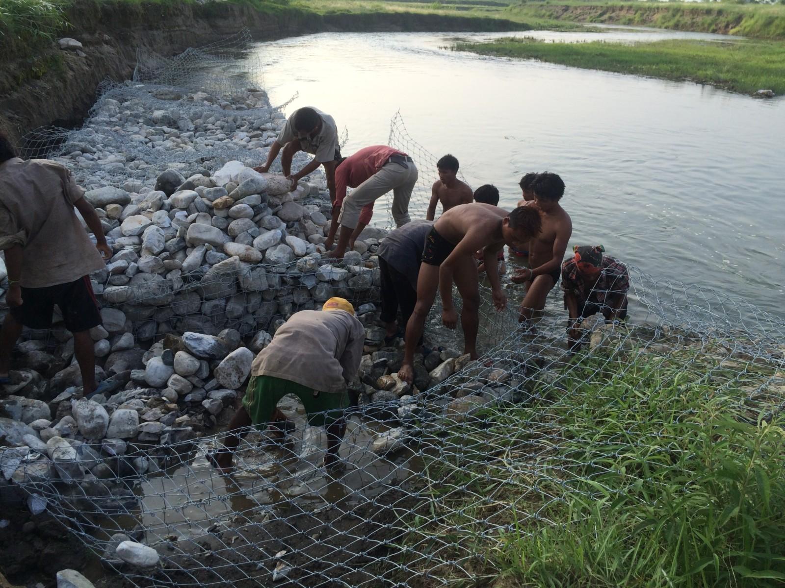 Dam @ river next to Sapana