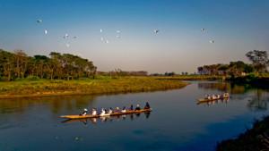 Jungle Safari Chitwan Nepal - Raptii River canoe safari