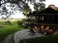 Restaurant Sapana Lodge Chitwan Nepal - overlooking the jungle and elephants