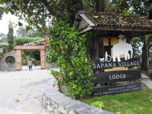 Hotel Chitwan Nepal - Sapana Lodge - rooms-restaurant-jungle tours and excursions